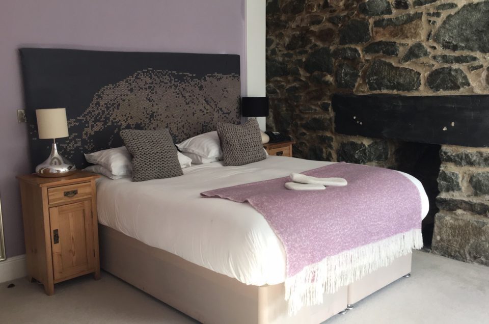 Travel Review | Cross Foxes Bar • Grill • Rooms – Tranquility with a View
