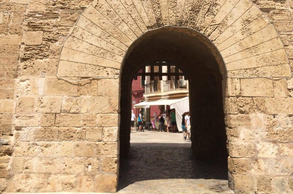 Explore Alcúdia, Mallorca — Sun-splashed, walled city in the Mediterranean